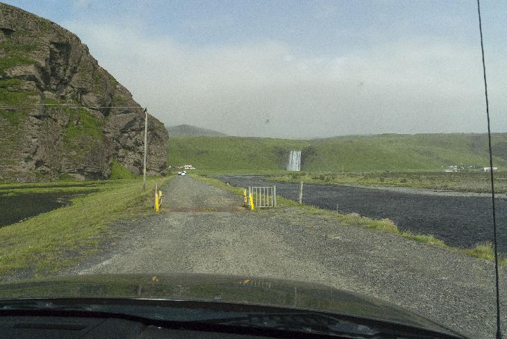 Sheep grid prevents sheep from crossing boundaries.