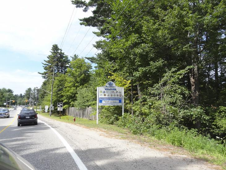 Welcome sign for Bracebridge Ontario.  Taken on Taylor Road after exiting highway 11.