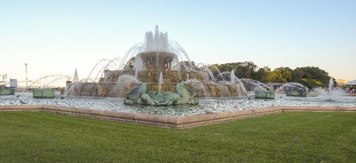 The Buckingham Fountain. Photo taken in Grant Park in Chicago, during the 2014 Taste of Chicago event.