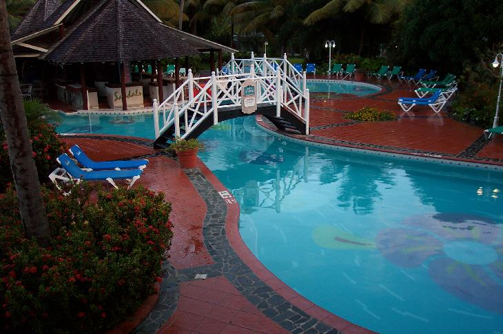 Photo of the swim-up bar and pool at Sandals Halcyon Beach Resort in St. Lucia