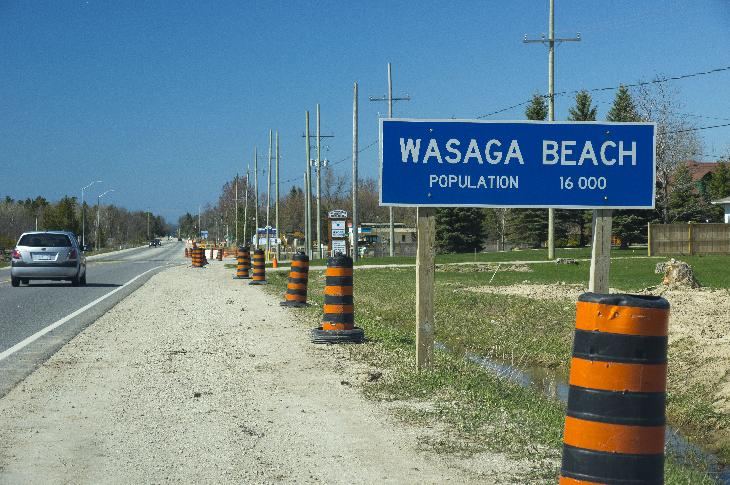 Wasaga Beach Population Sign on Highway 26 Westbound.  Population is 16000.