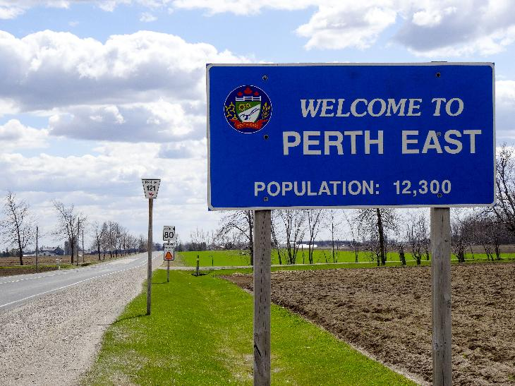 Looking south along Perth County Road 121 is the Perth East Township welcome sign.  Just south of County Road 89.