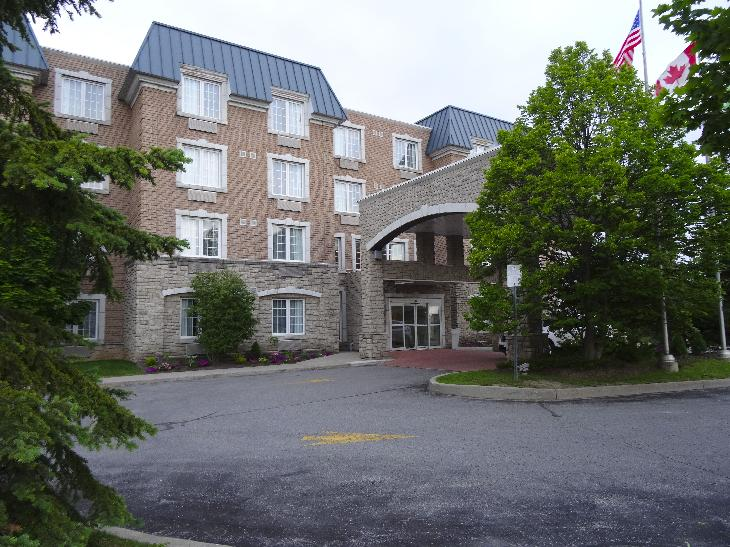 The main entrance of the Holiday Inn Express in Whitby Ontario. Located on Consumers Drive.