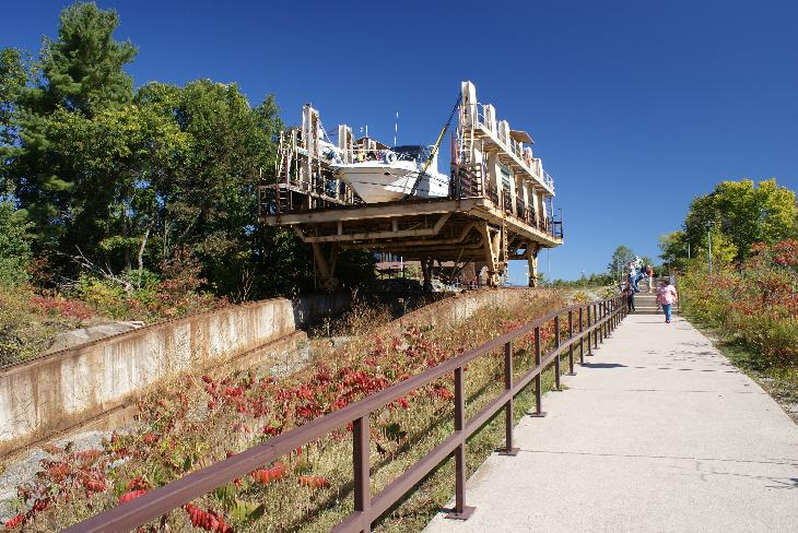 This is the boat lift on the Big Chute Marine Railway.