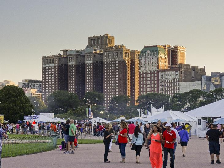 View of the Chicago Hilton during the 2014 Taste of Chicago.  Held in Grant Park.