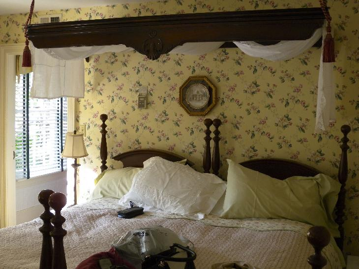The William and Mary Suite at the Annette Twining House in Niagara-on-the-Lake.  Two twin beds are pushed togther to form King.