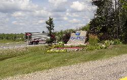 Bracebridge Welcome Sign as exiting Highway 11 North at the exit for Road 118.