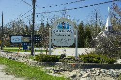 Photo of Collingwood Ontario Welcome Sign on Highway 26 westbound near Lakeview Avenue.