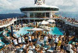 Explorer of the Seas - Main Pool