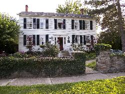 View of the front of the Annette Twining House Bed and Breakfast.  Located at Niagara on the Lake.
